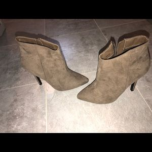 Tan suede heels. Size 6. Never worn.